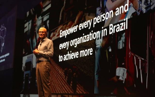 Satya Nadella, presidente executivo da Microsoft, fala em evento em São Paulo