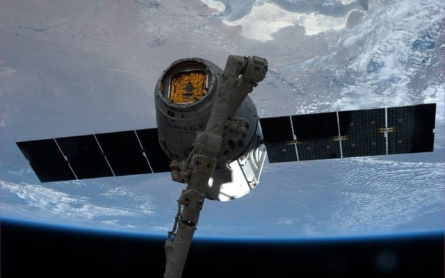 SpaceX planeja lançar os mais de 4 mil satélites de conexão de internet até 2024.