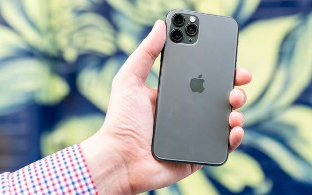 Aideia doexperimentoera fazer uma comparaçãocom um texto sobre oiPhone 11 Projá publicado no jornal
