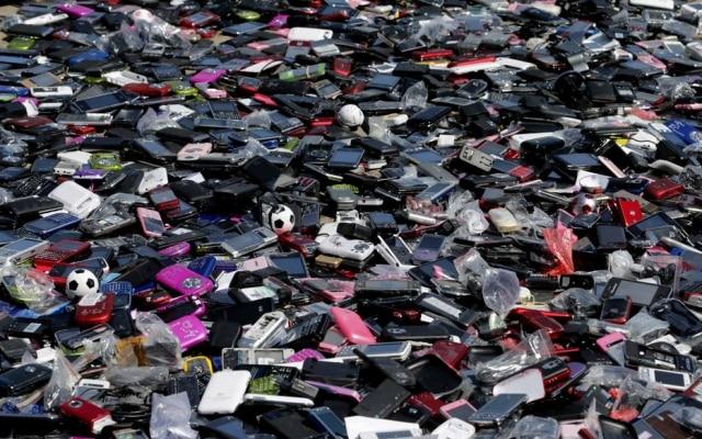 Anatel divulga datas de bloqueios de celulares irregulares