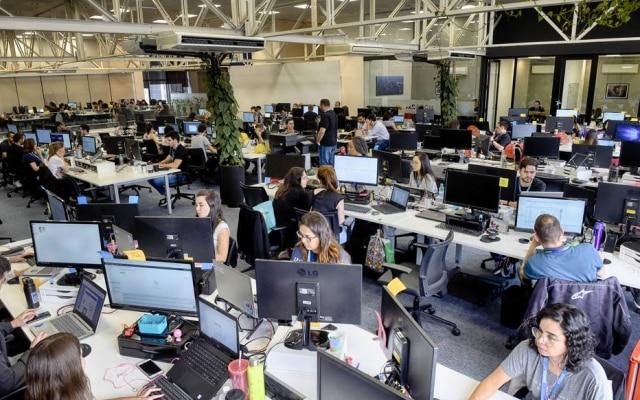 Time. Ebanx tem 600 pessoas; no fim do ano, chegará a 800; na foto, sede da empresa em Curitiba (PR)