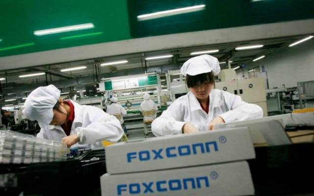 Foxconn, principal fabricante de produtos da Apple, busca saídas para reduzir impacto de guerra comercial entre EUA e China, onde tem suas maiores plantas