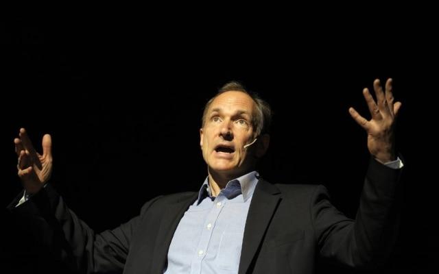 Tim Berners-Lee se colocou contrário às novas regras dos provedores de internet
