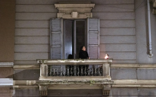 Na Itália, autoridades usam dados de celulares para saber se as pessoas estão obedecendo às ordens de confinamento social