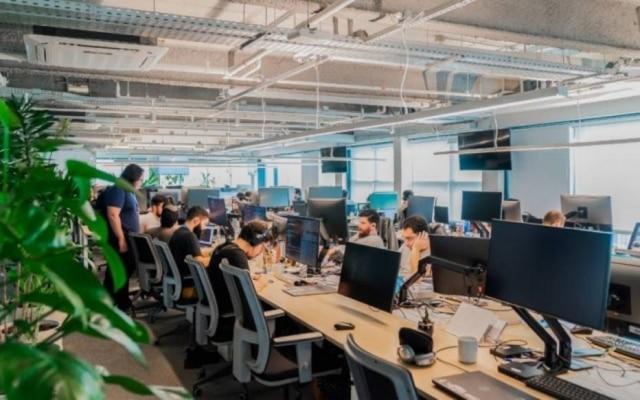 Cadeiras, mesas e equipamentos de informática são exemplos de produtos reembolsados pela Loggi aos seus funcionários em home office