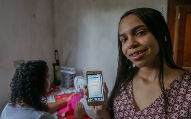 Inspirada pela mãe, Laís Firmino criou 'Uber da costura'