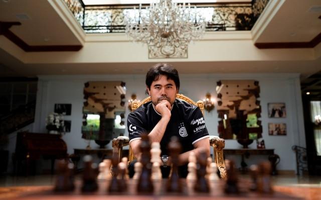 Quase todos os 528 milseguidores do grande mestre do xadrez Hikaru Nakamura no Twitch embarcaram noo início da pandemia