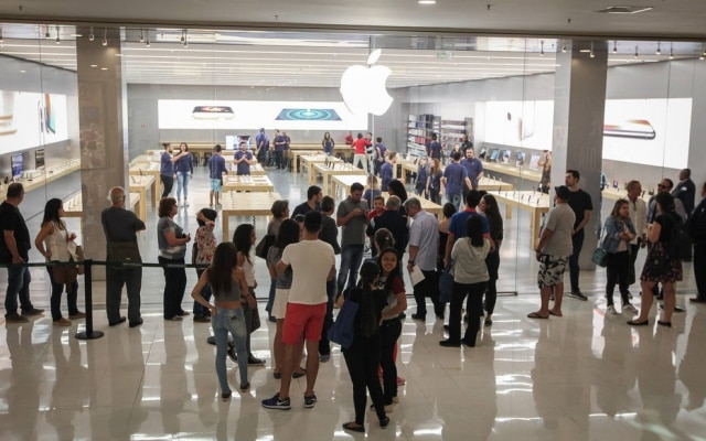 Apple Store, no Shopping Morumbi, teve pouca demanda pelo iPhone 8 e 8 Plus na abertura da loja