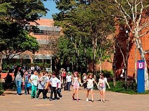 Humboldt/Divulgação - O Colégio Humboldt, escola bilíngue e bicultural brasileira-alemã, localizado no bairro de Interlagos, oferece dois currículos de formação, um brasileiro e outro alemão, e tem cerca de 1.150 alunos matriculados, desde a Educação Infantil à faculdade