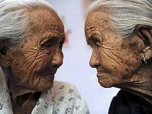 Reuters - Graduação capacita profissionais para lidar com idosos