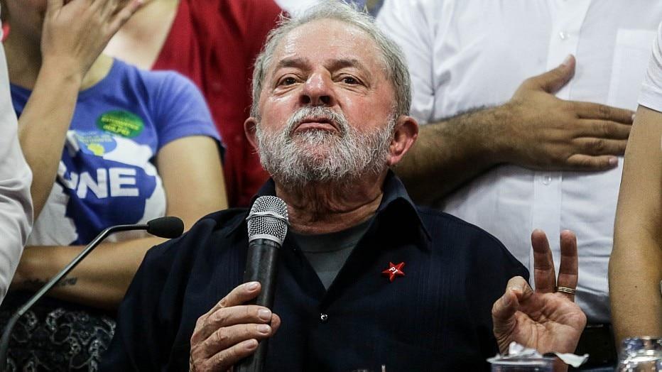Resultado de imagem para presidente lula desfigurado foto