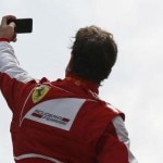 Selfie-Alonso REUTERS-Stefano Rellandini600