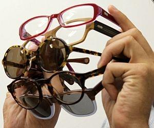 11ae6d34d6483 Mercado de óculos movimenta R  24 bilhões  confira cinco franquias ...