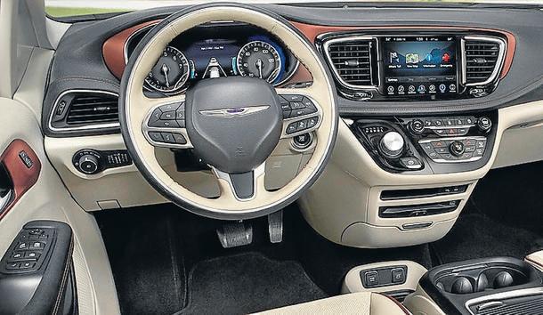 Chrysler Pacifica oferece espaço e conforto de sobra