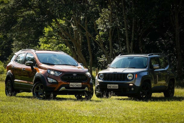 Ford EcoSport Storm 4WD x Jeep Renegade Night Eagle
