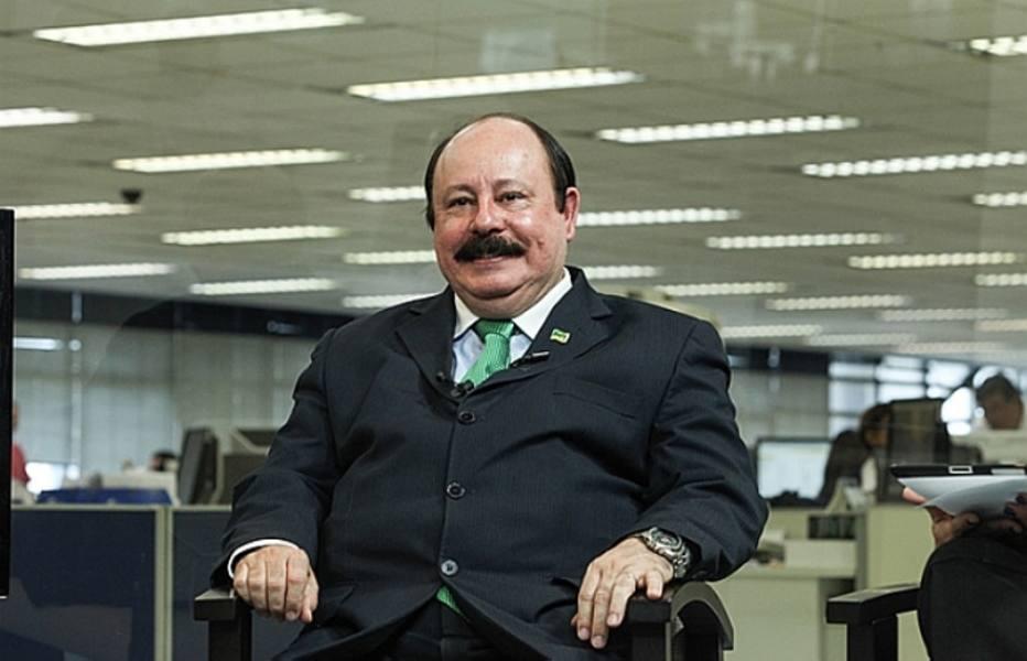Levy Fidélix diz não acreditar nas pesquisas e ataca Soninha