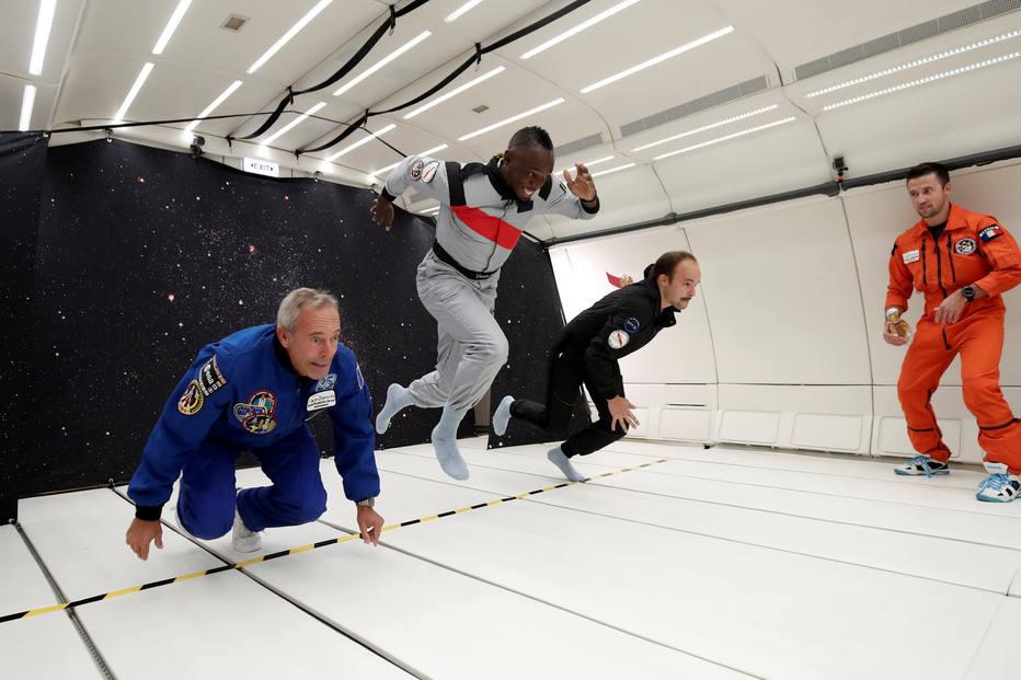 Usain Bolt vence corrida com astronauta francês