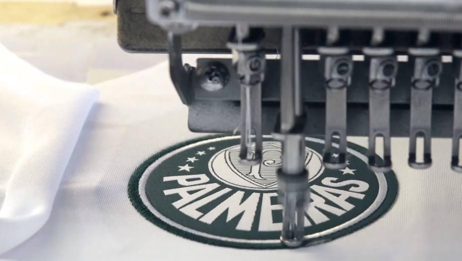 d7dc05161d115 Veja como são produzidas as camisas do Palmeiras na fábrica da Puma ...