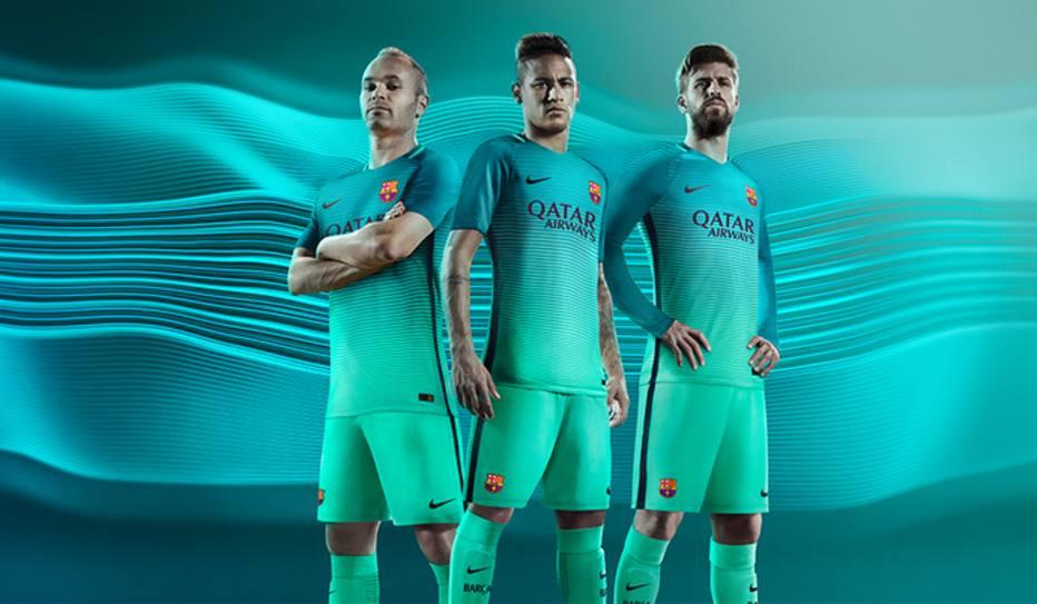 Uniformes inusitados do futebol europeu - Esportes - Estadão f4663617f609e