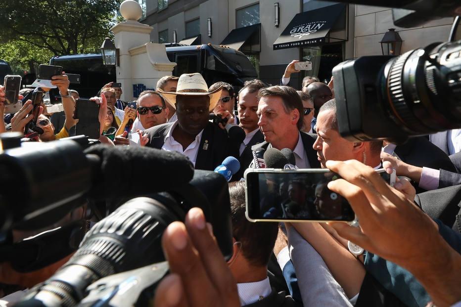 Presidente Jair Bolsonaro (PSL) criticou manifestantes durante viagem a Dallas