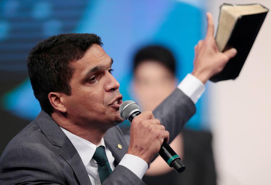 Cabo Daciolo questionou urnas eletrônicas e criticou os demais presidenciáveis no debate eleitoral da RedeTV!