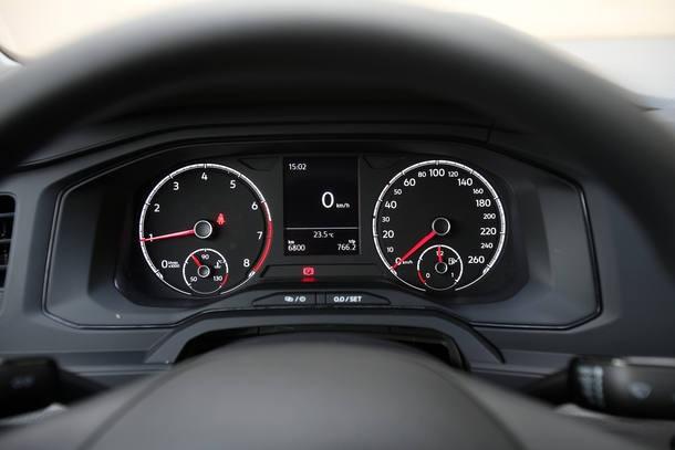 Fiat Cronos 1.3 Drive x Volkswagen Virtus 1.6 MSI
