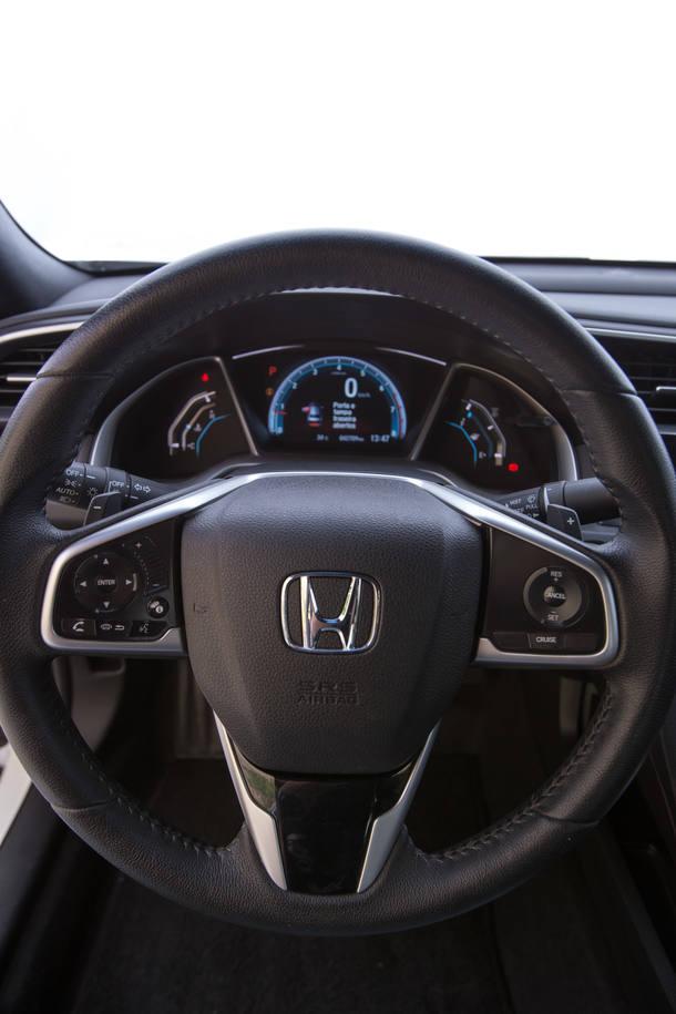 Comparativo: Jetta x Civic x Cruze x Corolla