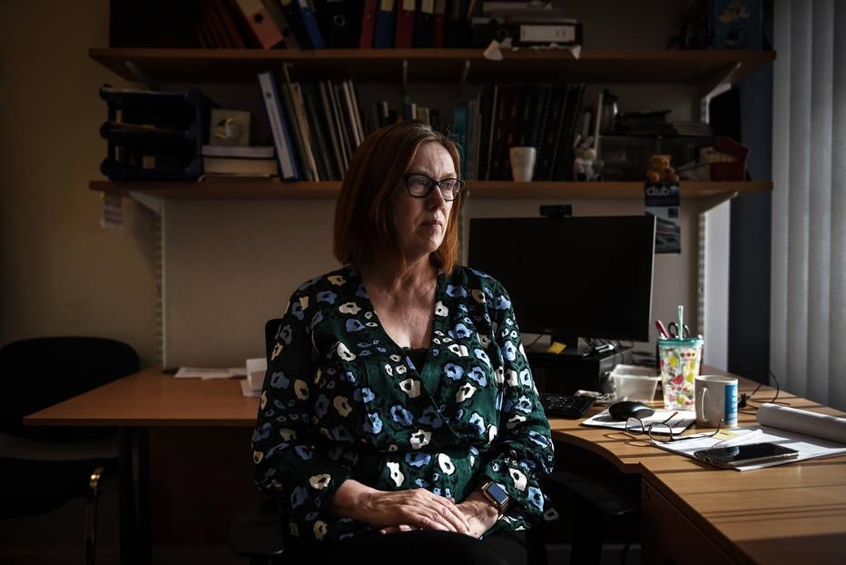 A professora Sarah Gilbert em seu escritório na Universidade de Oxford
