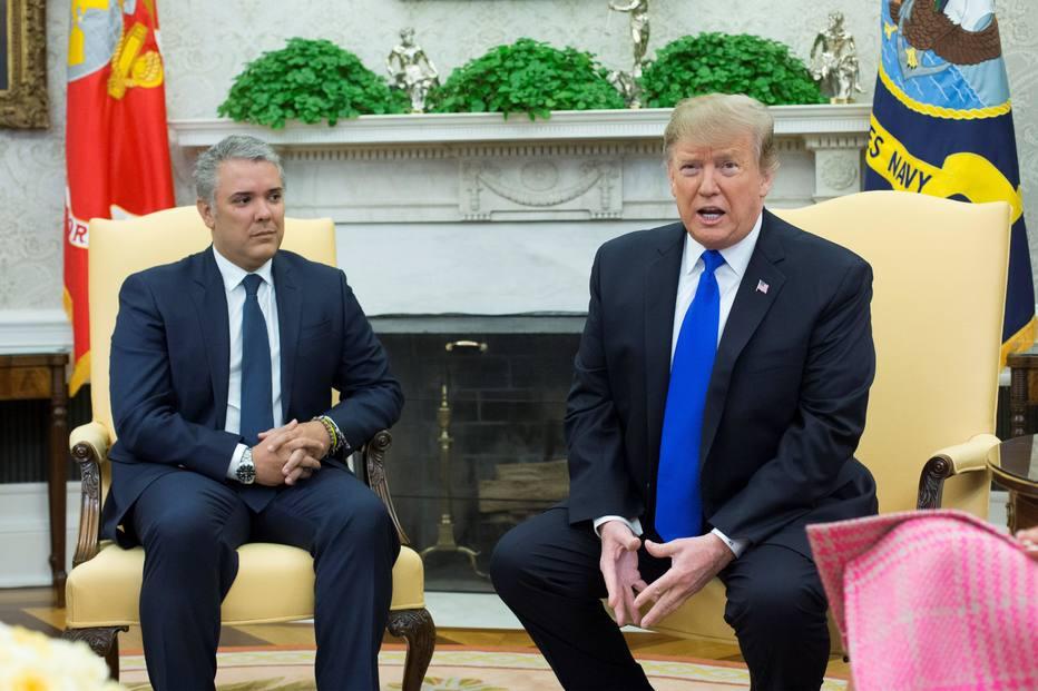 O presidente dos EUA, Donald Trump (direita), recebe o presidente da Colômbia, Iván Duque (esquerda), na Casa Branca