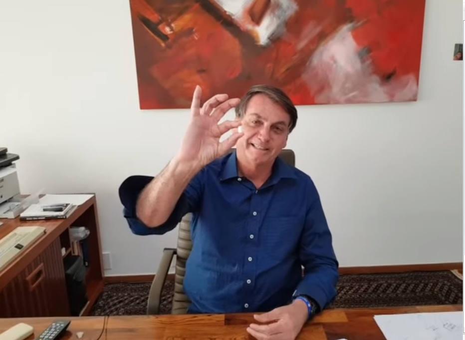 Bolsonaro faz 'propaganda' de hidroxicloroquina