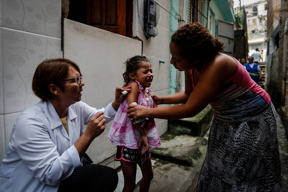 Vacinação contra a febre amarela casa a casa