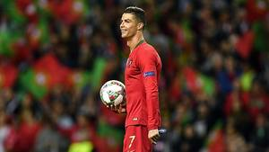 Cristiano Ronaldo Manda Chuteiras E Carta Ao Sub 17 Feminino