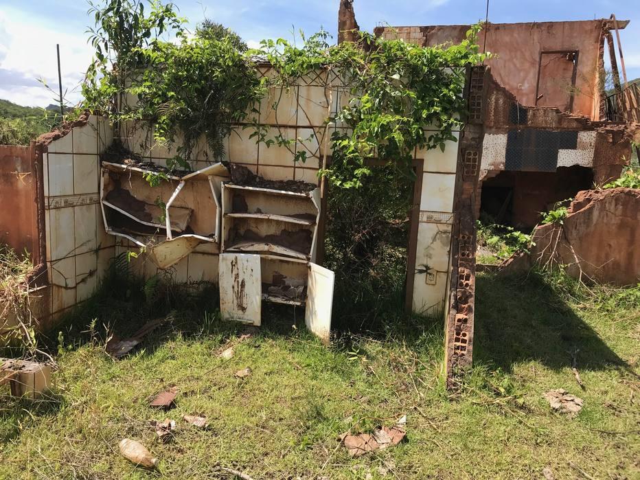 Em Mariana, memória do desastre e a espera por um novo lar