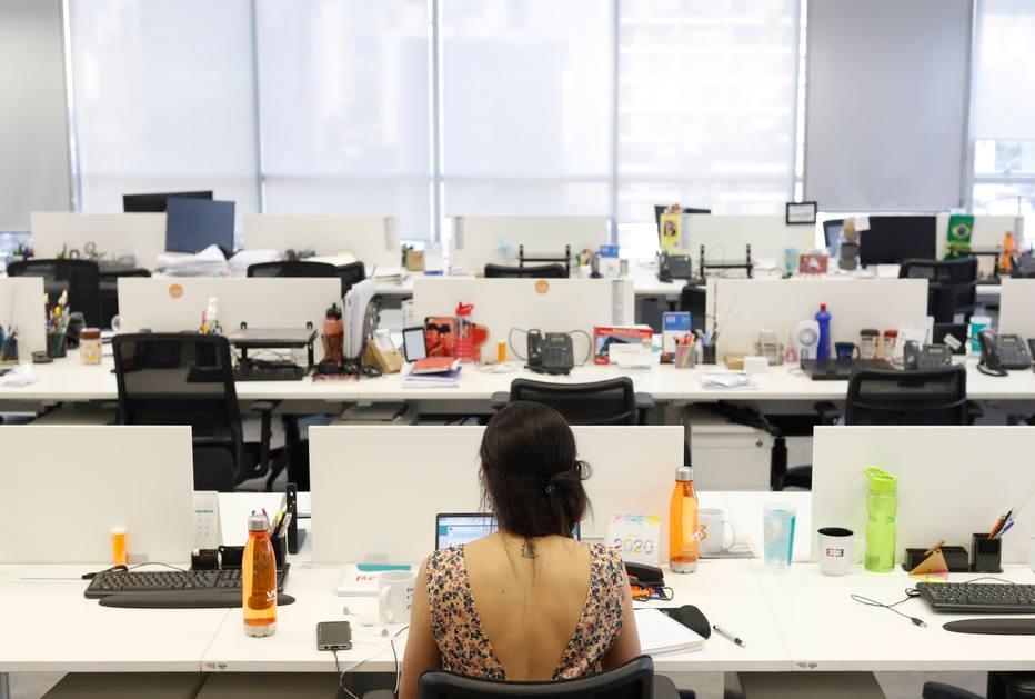 Escritório híbrido veio para ficar e pode ser mais disruptivo que trabalho 100% remoto