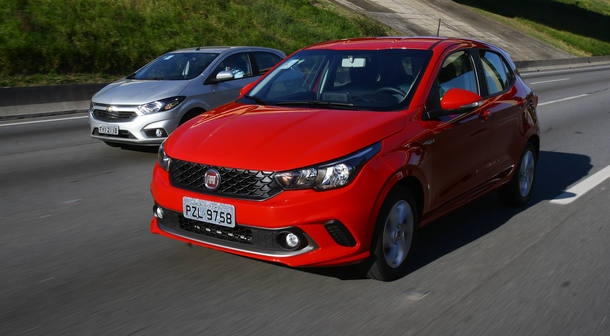 Comparativo: Fiat Argo 1.3 x Chevrolet Onix 1.4