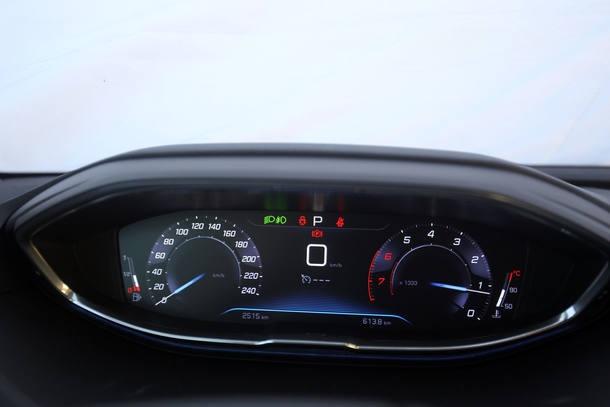Peugeot 3008 x Jeep Compass
