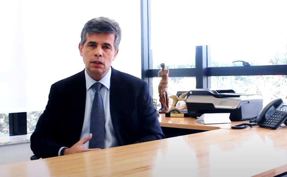 Oncologista Nelson Teich, novo ministro da Saúde de Bolsonaro