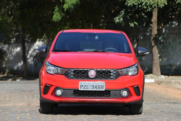 Fiat Argo HGT x VW Fox Pepper