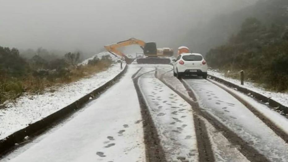 Santa Catarina tem neve em meio a onda de frio