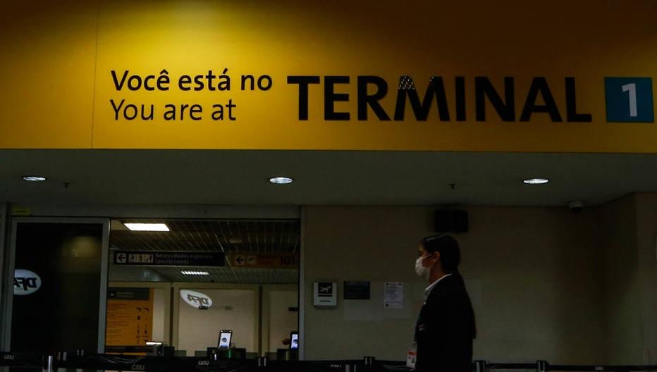 Aeroporto de Guarulhos fecha terminal temporariamente por falta de voos