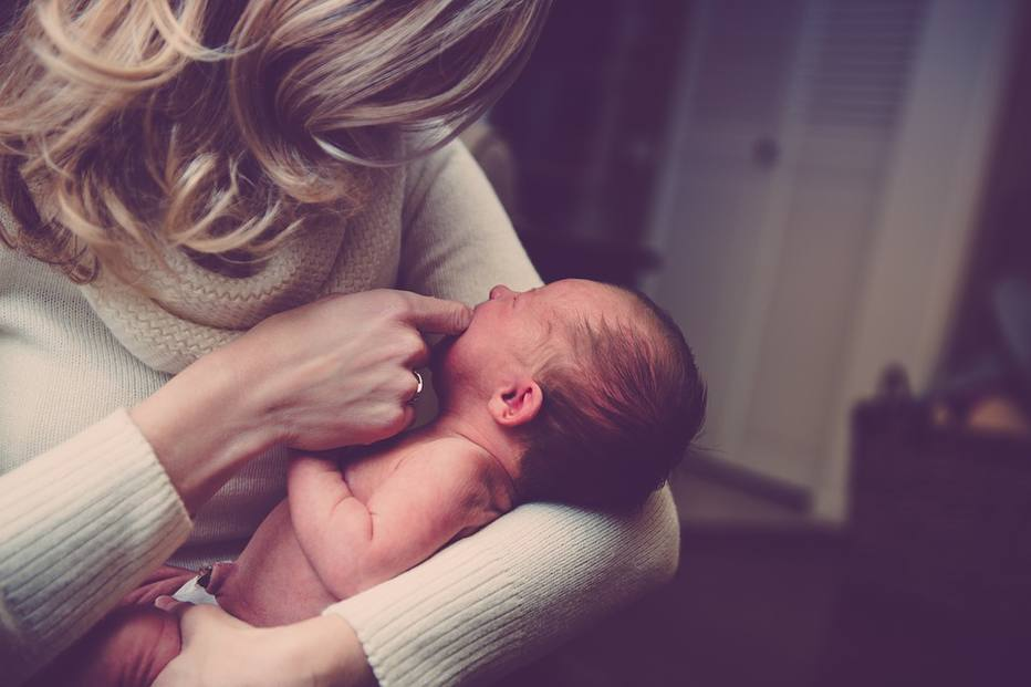'Mom-shaming': mães sofrem com críticas e palpites sobre como cuidar dos filhos