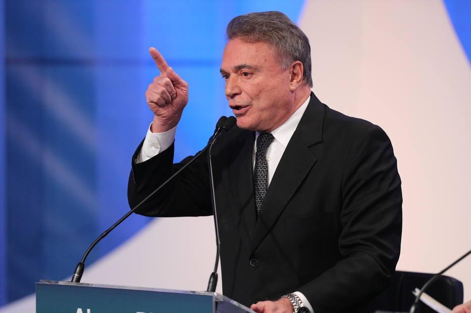 Alvaro Dias criticou candidatura Lula durante debate na RedeTV!