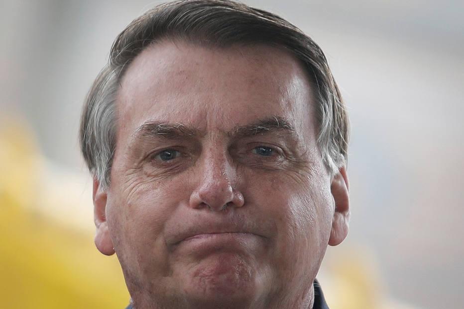 Bolsonaro diz que seus exames saem com nome 'fantasia'