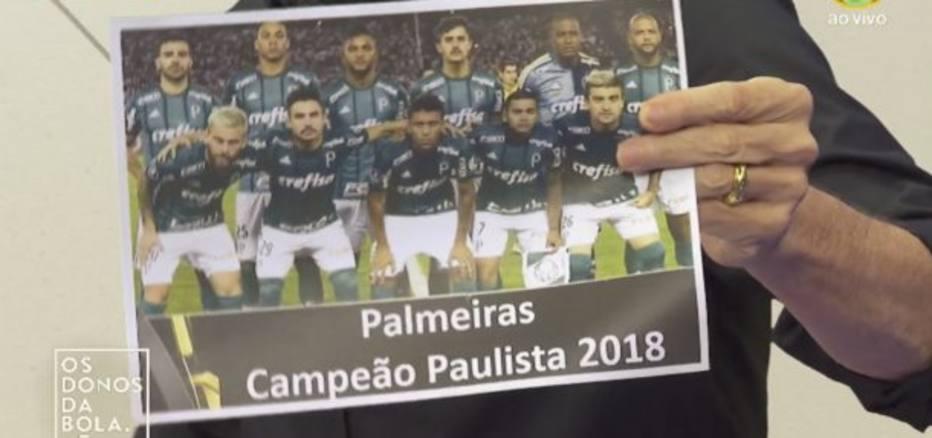 bbc20a1d78 Neto mostra pôster de Palmeiras campeão e Moisés critica atitude ...