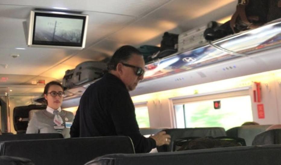 Galvão Bueno discute com funcionários em trem na Rússia