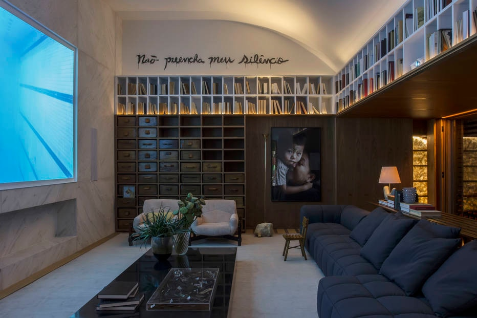 Conforto máximo: salas e quartos enfatizam relaxamento na Casacor