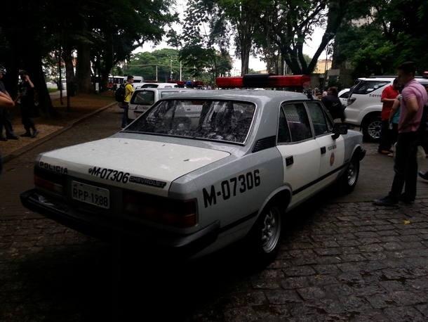 Carros de Polícia