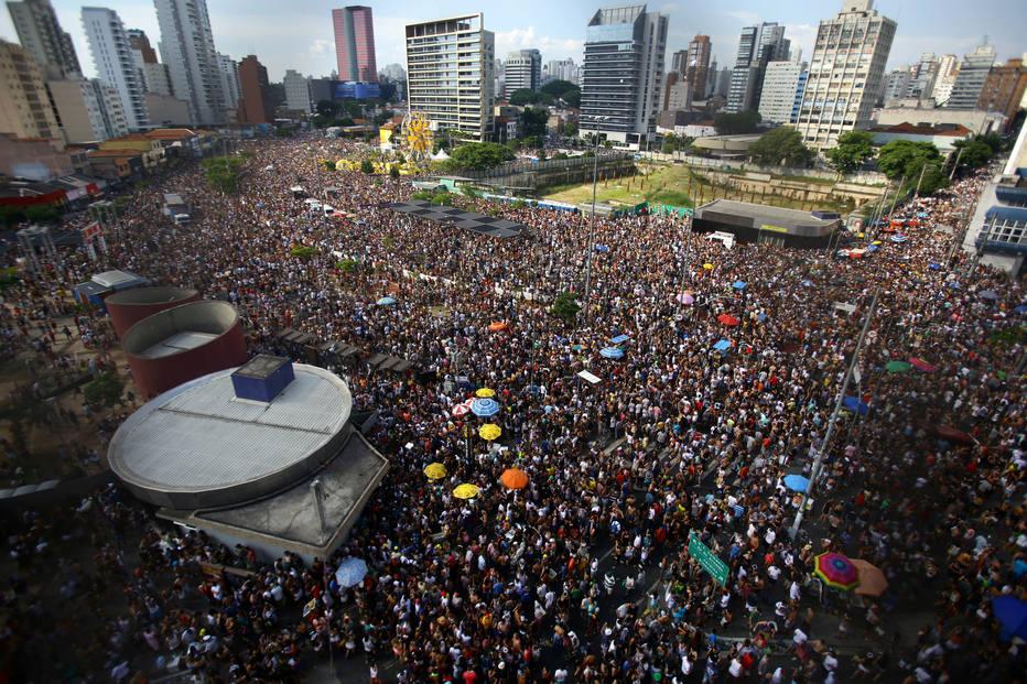 El Dorado Car >> Atriz relata agressão em bloco de pré-carnaval na Faria ...