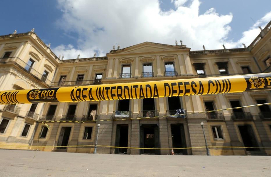 Mobilização internacional para ajudar a reerguer o Museu Nacional
