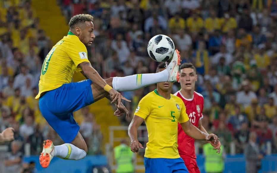 Neymar contra a Sérvia